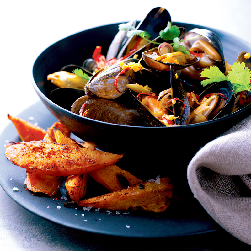 Photo of Steamed Thai-style mussels with sweet potato chips by WW