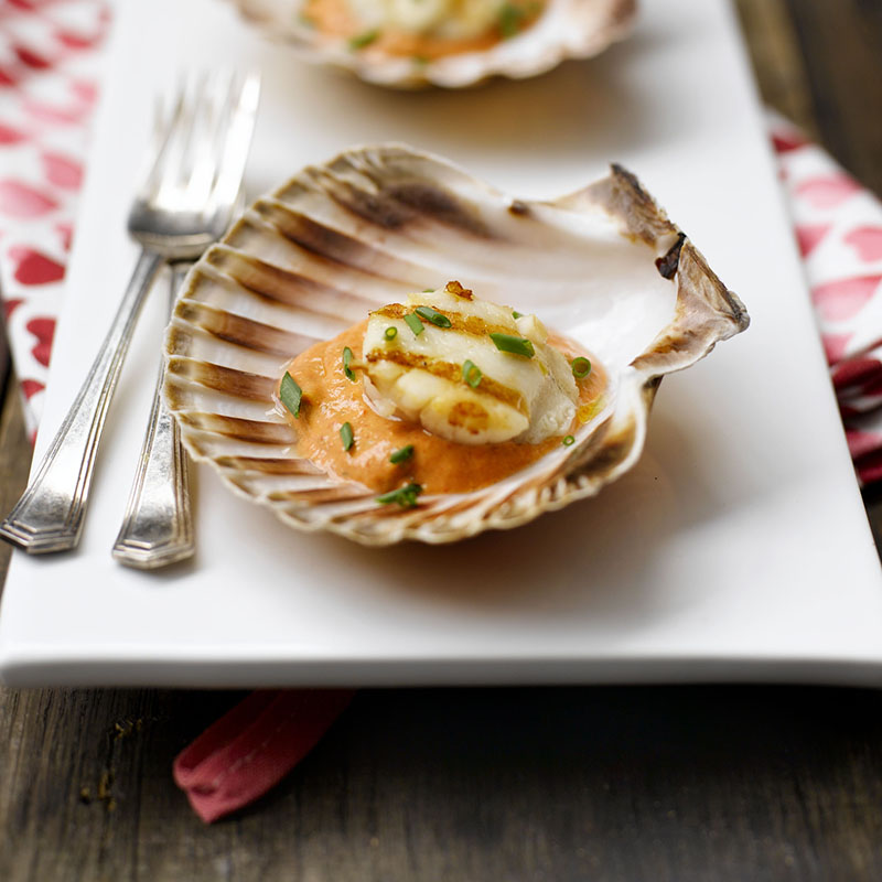 Photo of Scallops with grilled red pepper sauce by WW