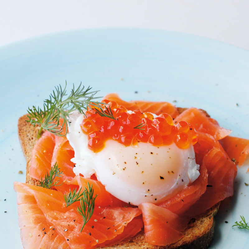 Photo of Poached egg & smoked salmon brunch by WW