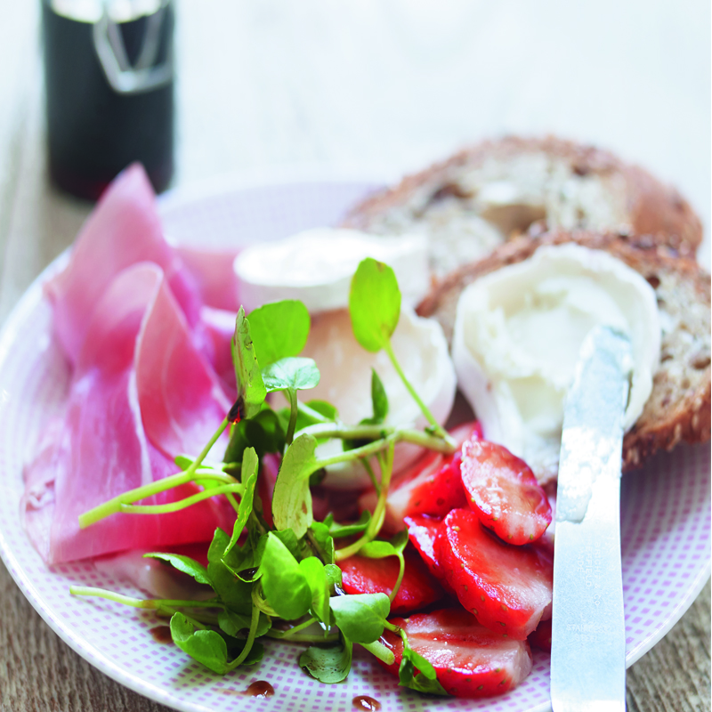 Photo of Goat's cheese, Parma ham & strawberry salad by WW